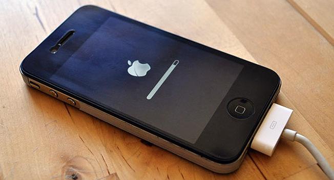 Apple, iOS, iOS 4.3.2, iOS 4.3.2 update, iOS update, iPhone 3GS, iPhone 4, Software Update